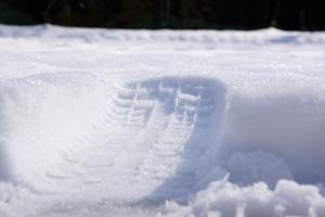 雪・タイヤ跡