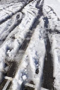 シャーベット状になった雪道